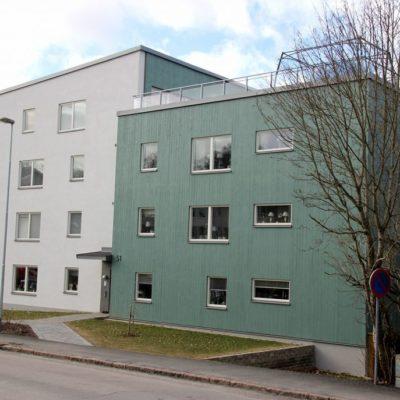 BRF Närheten på Storgatan i Ulricehamn. Vi målade både in- och utvändigt.