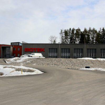 Företaget Botek på Rönnåsens industriområde i Ulricehamn. Vi målade både in- och utvändigt.