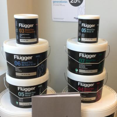Flügger Wood Tex är Flügger vattenburna utomhus färger, finns i trälasyr, uteakrylat, matt uteakrylat, oljefärg V och täcklasyr.